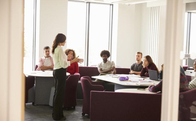 Quais são as causas e soluções para as evasões nas universidades?